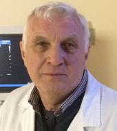 Il Dott. Vincenzo Dari è laureato in Medicina e Chirurgia.