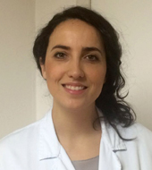 Dott.ssa Laura Sapigni è specializzata in Oftalmologia, fa parte dell'Unità di Fisiopatologia Corneale di Villa Igea